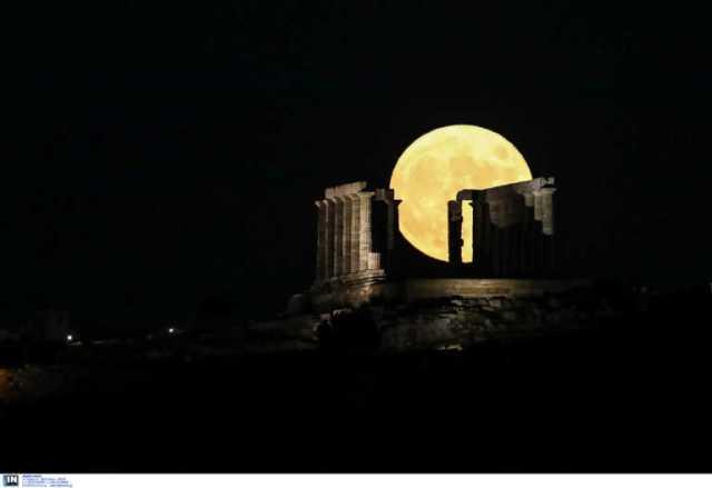 Πώς θα έβλεπες τέσσερα διάσημα αξιοθέατα της Ελλάδας αν είχες φτερά