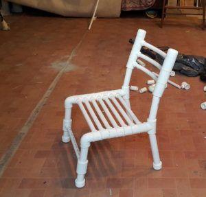 Фото: стул из полипропиленовых труб своими руками