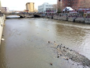 Truckee River view downstream of Center Street in Reno on 12/4/2014.