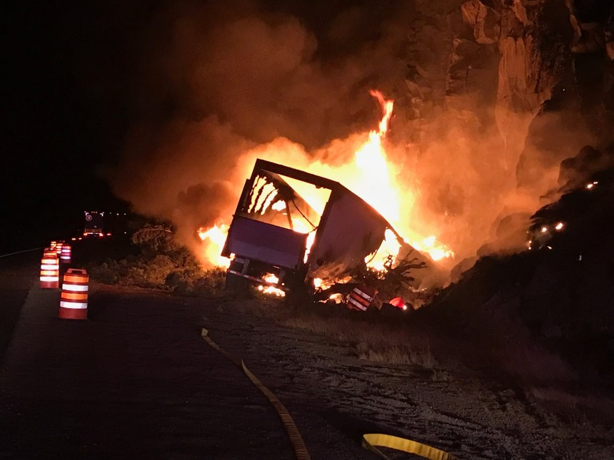 Semi_Fire_Oregon_9122018
