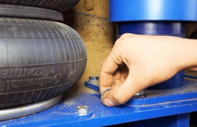 Air springs from Continental effectively reduce vibrations.