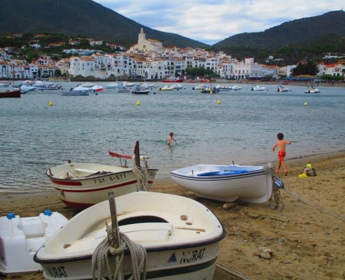 Cadaques-barcas-1200x900_c