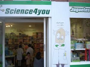 CONVIERTE A TU HIJO EN UN PEQUEÑO CIENTÍFICO CON LOS JUEGOS EDUCATIVOS DE SCIENCE4YOU  Foto de %title