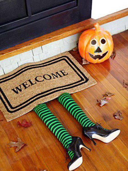 decoración para Halloween: felpudo bruja del este