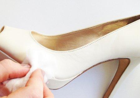 Mancha en zapatos de piel