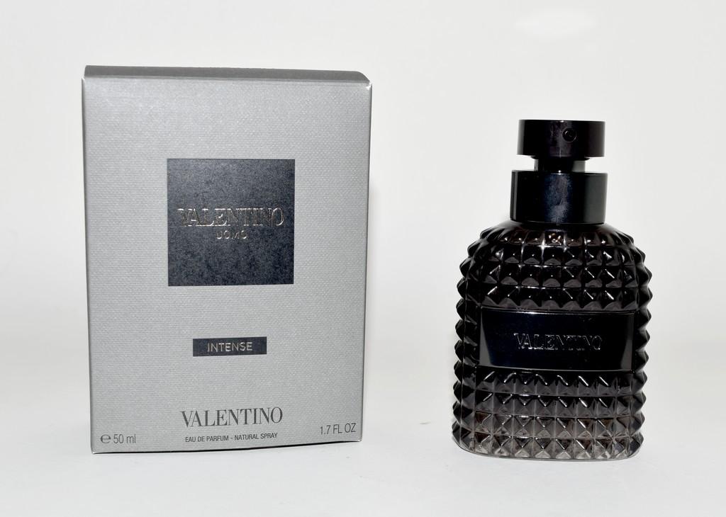 Poudrée Une Fragrance Test Intense Uomo Avis amp; Valentino gRvqIxwn
