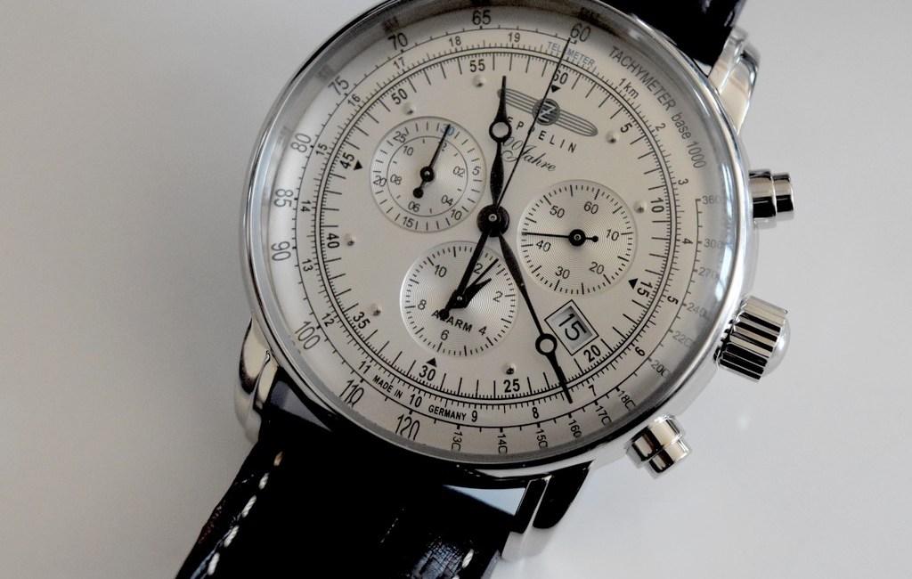 prix le plus bas style actuel grande remise de 2019 Zeppelin Chronograph Alarm 100 years, montre au style ...
