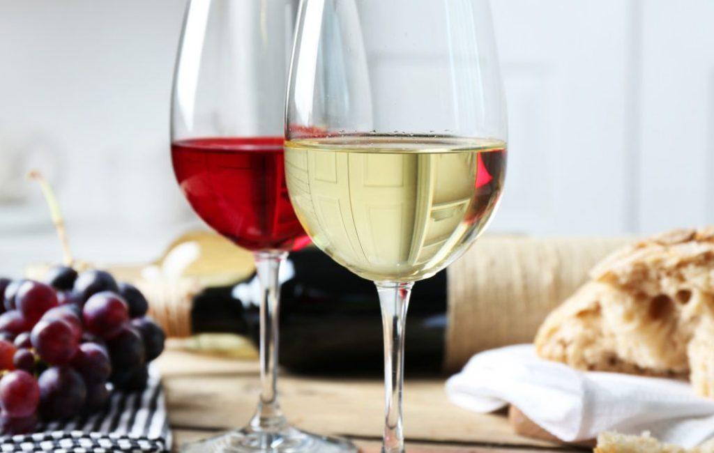 quels sont les meilleurs accessoires pour d guster le vin. Black Bedroom Furniture Sets. Home Design Ideas