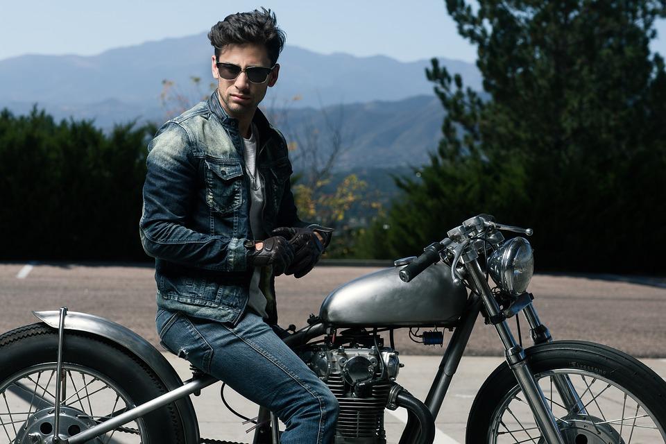 26e032c2bb8 Bien choisir son blouson de moto en cuir