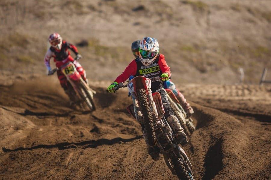 S'initier à la pratique du motocross