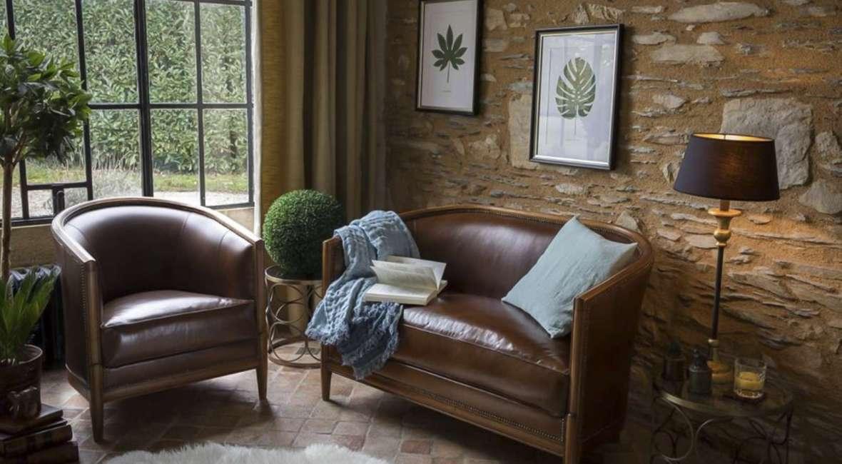Le fauteuil style club anglais mêle élégance et confort