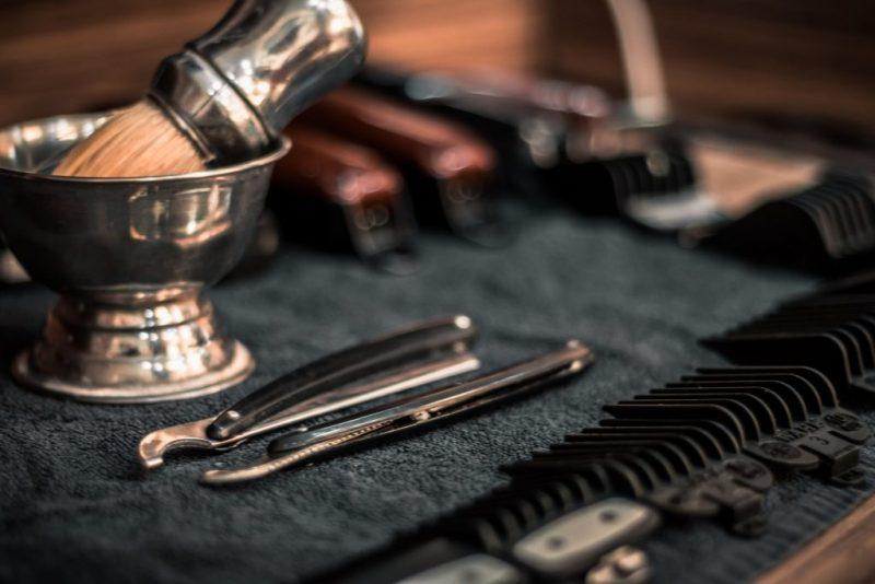 routine zéro déchet homme : surveille et bien choisir ses soins de rasage