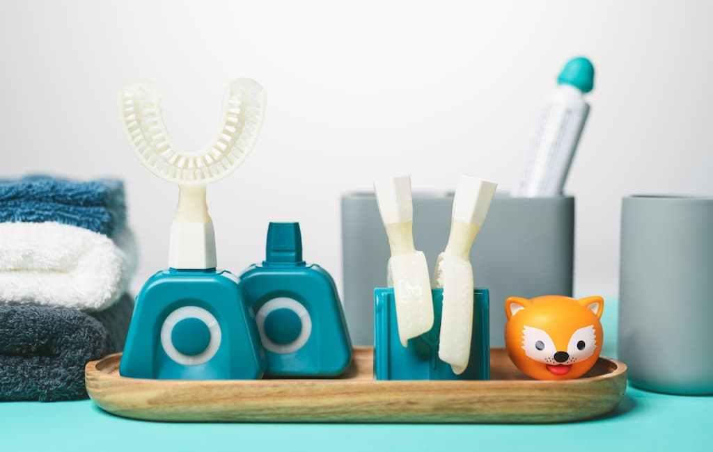 Y-Brush révolutionne le brossage dentaire en 10s