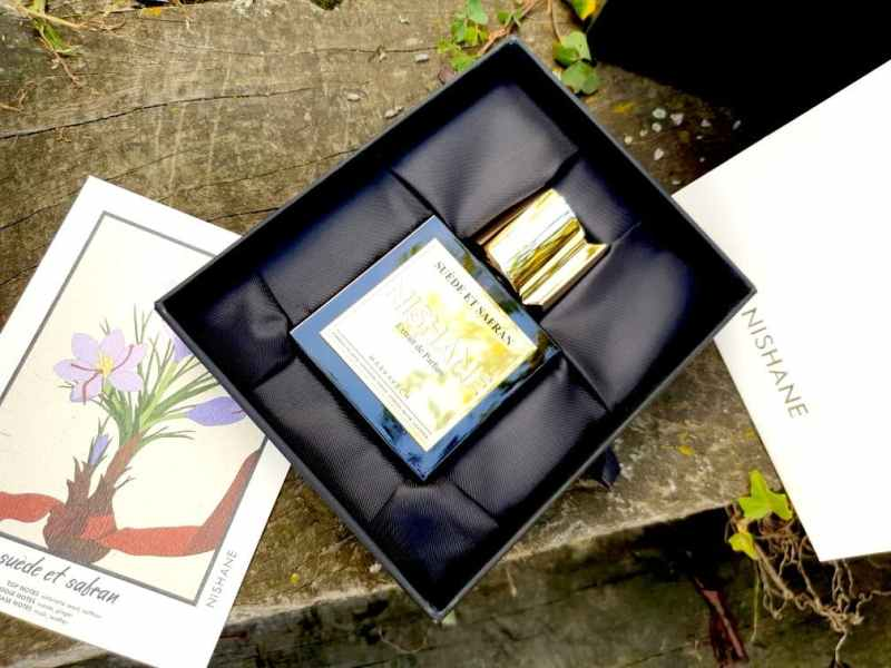 Suède et Safran Nishane Extrait de parfum