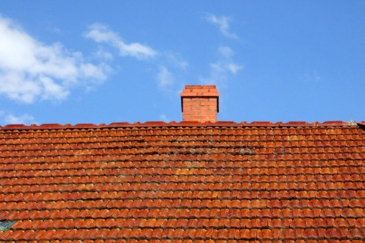 Ceramic roof tile on one of the houses of Trudna.