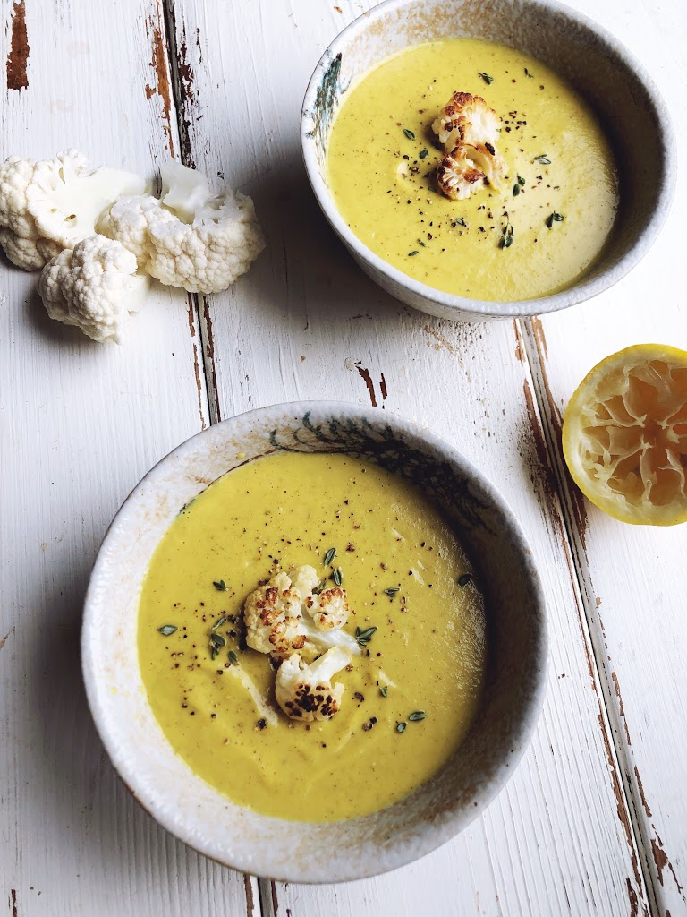 This Roasted Cauliflower Soup is the perfect example of a healthy low carb meal that may help shrink your waistline and boost your brain power!