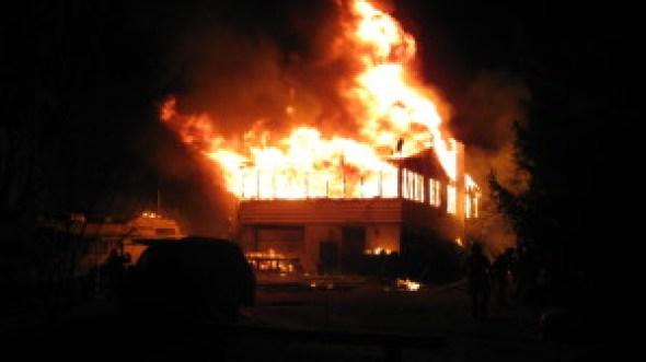 erbs-bridge-house-fire-005