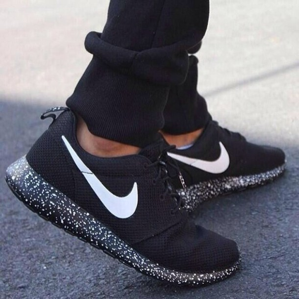 new arrival 48f3a d83a6 Nike Roshe run black with white speckle Oreo