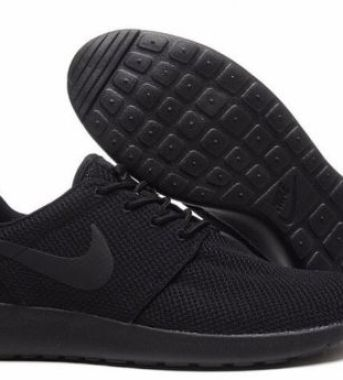 497d5ce5d6a42 Nike Roshe Run Triple Black Nike Roshe Run Triple Black