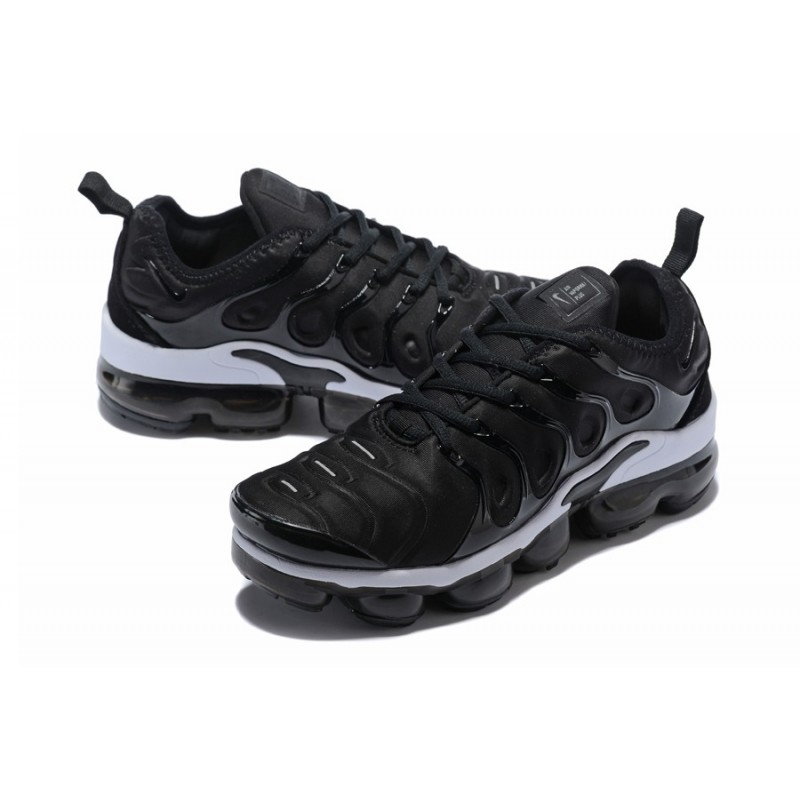 on sale 52426 301cf Nike Air VaporMax Plus Black White 924453-010