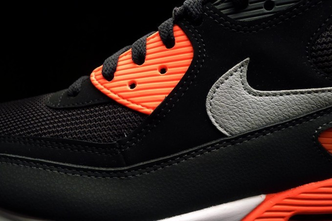 NIKE AIR MAX 90 ESSENTIAL(BLACK WOLF GREY ATOMIC RED ANTHRACITE) 537384 006