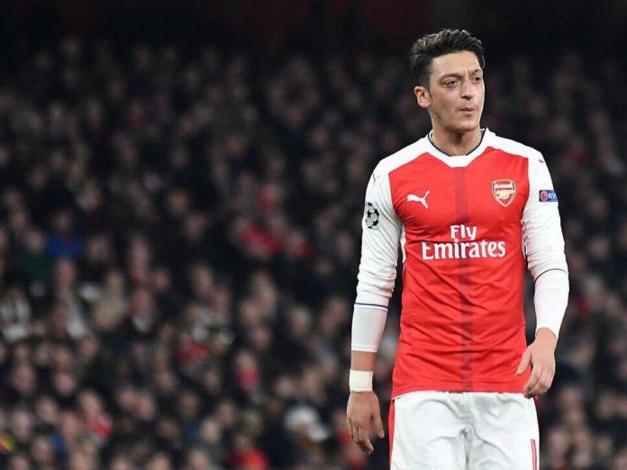 Mesut Ozil's Charm Campaign Won't Resurrect Arsenal His Career