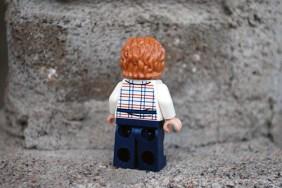 LEGO Jurassic World Gray Minifigure Back