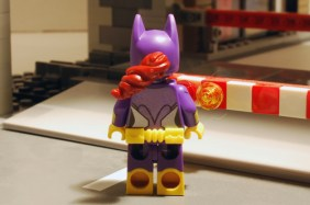 LEGO Batgirl rear view without cape.