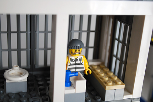 LEGO 60047 - Upper jail cell