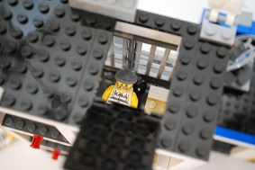 LEGO 60047 - Roof hatch escape