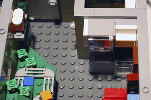 LEGO Assembly Square (10255) apartment entry way and kitchen
