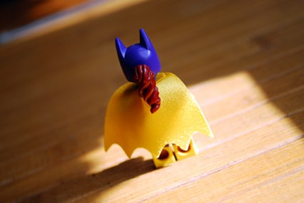 Rear view of the exclusive Batgirl that comes with the LEGO Batman Movie.