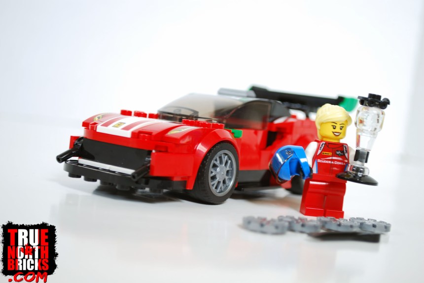 Ferrari 488 GT3 set contents.