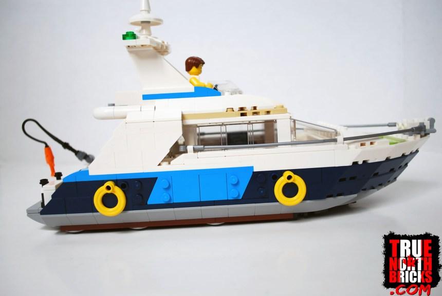 Cruising Adventures (31083) starboard view.