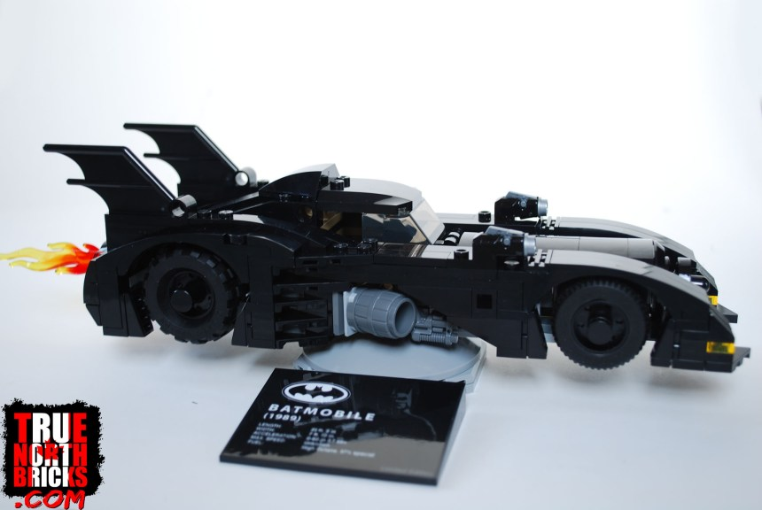 1989 Batmobile (Limited Edition) box contents.