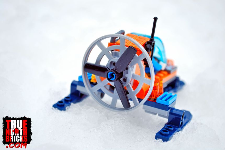 Arctic Ice Glider (60190) rear view.
