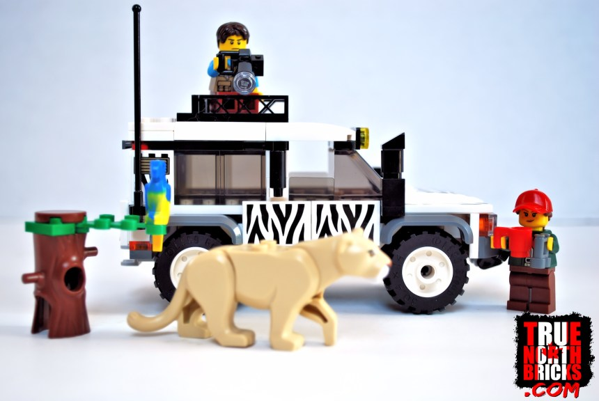 Safari Off-roader (60267) box contents.