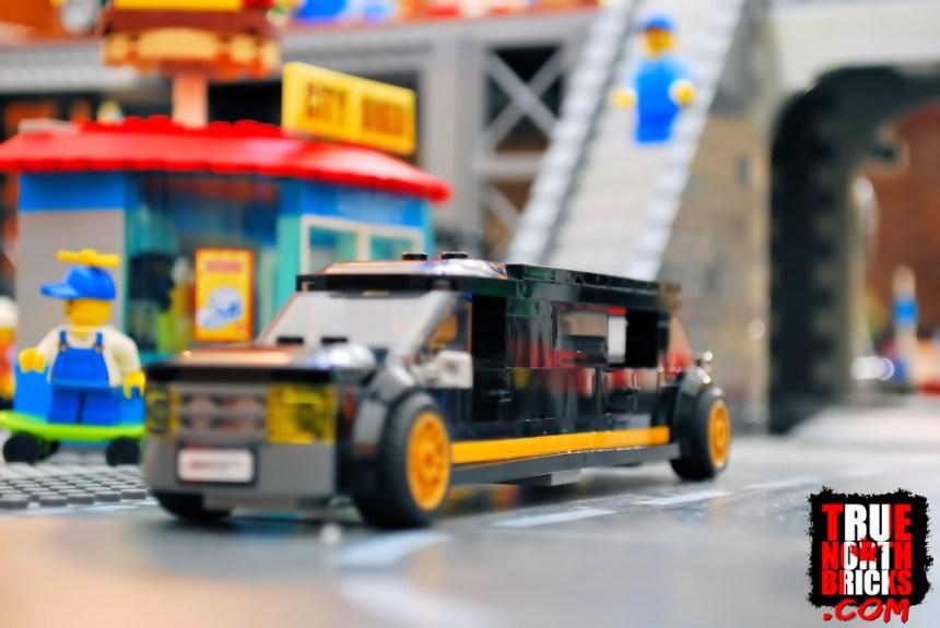 Main Square (60271) limousine