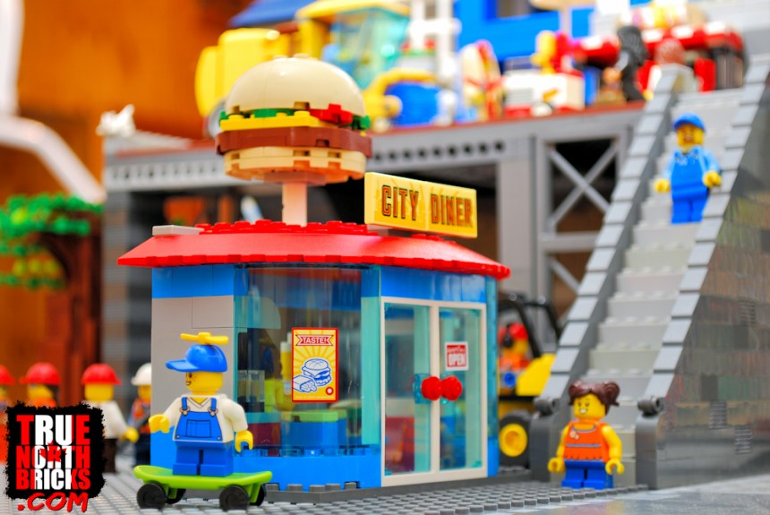 City Diner from Main Square (60271) set