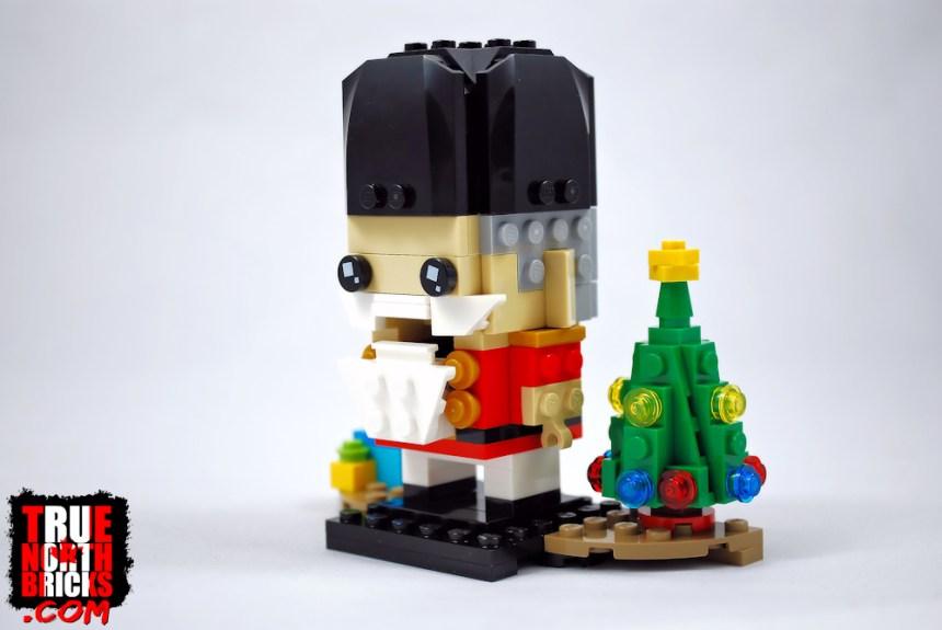 BrickHeadz Nutcracker (40425) with open mouth.
