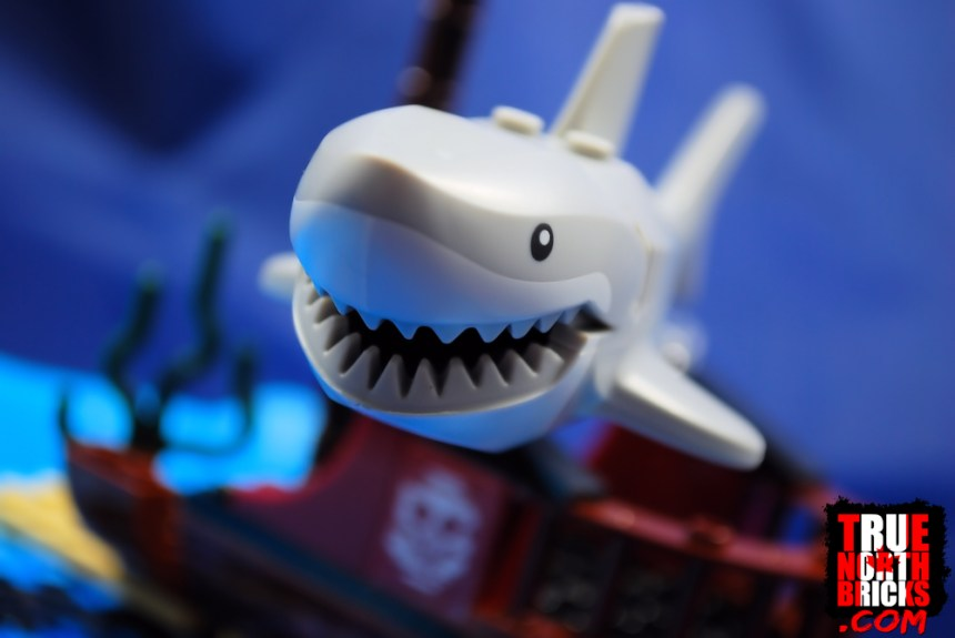 Ocean Exploration Ship (60266) great white shark.