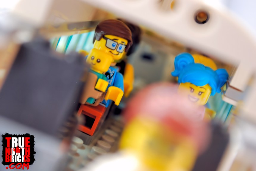 Inside the Passenger Airplane (60262)