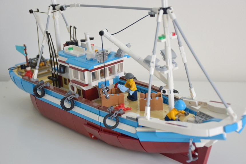 Great Fishing Boat from round one of the BrickLink Designer Program.