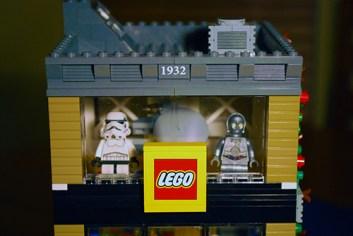 MOC LEGO Store upper story.