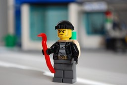 LEGO 60047 - Criminal 3 front view