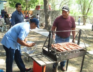 Martin and Juan cooked hot dogs.