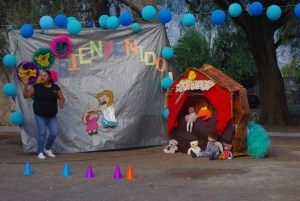 The teachers used a puppet show to teach tell the children about Jesus'love for them.