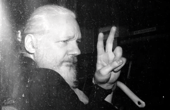 Craig Murray: The Re-Opening of the Swedish Assange Case Should Be Welcomed