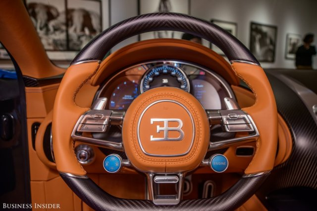the-steering-can-be-optioned-in-full-leather-or-with-carbon-fiber-inserts