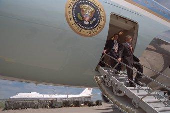 president-bush-arrives-at-offutt-air-force-base